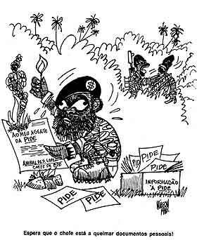 """На этих карикатурах Ж. Савимби - """"черного петуха"""" изобразили марионеткой в руках португальской охранки ПИДЕ..."""